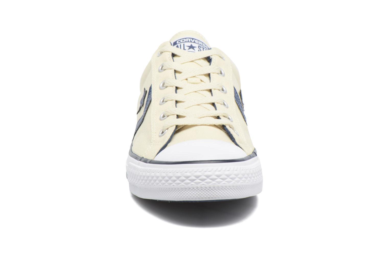 Baskets Converse Star Player Ox Fundamentals Beige vue portées chaussures