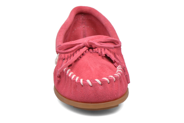 Slipper Minnetonka Kilty Moccasin E rosa schuhe getragen
