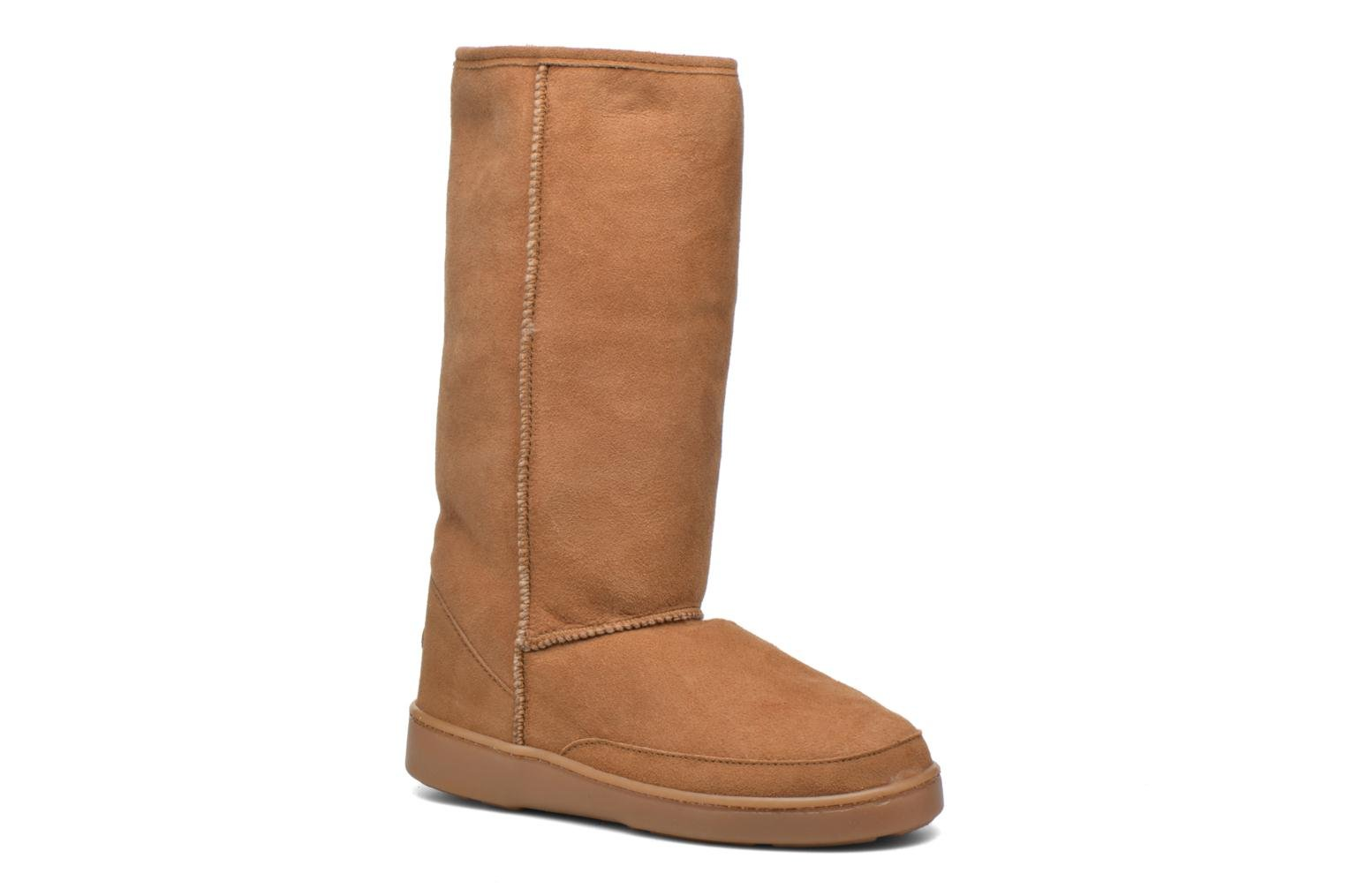 Tall Sheepskin Pug Boot H Gold Tan Sheepskin