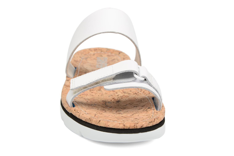 Mules et sabots Camper Oruga K200158 Blanc vue portées chaussures