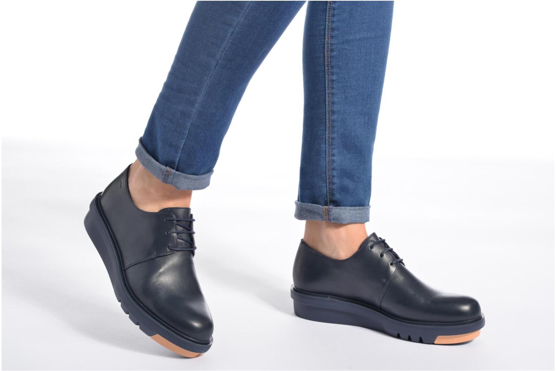 Chaussures à lacets Camper Marta K200114 Bleu vue bas / vue portée sac