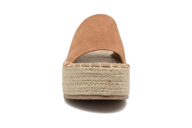 Scarpe di corda Coolway Bora Marrone modello indossato