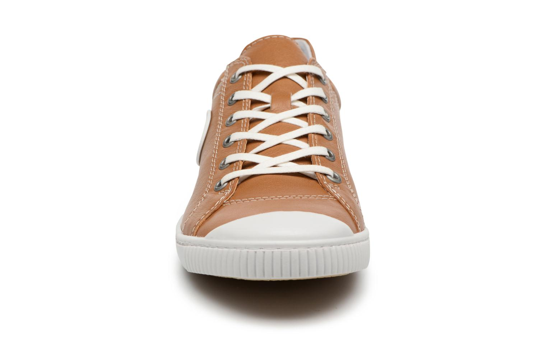 Baskets Pataugas Bohem/N Marron vue portées chaussures