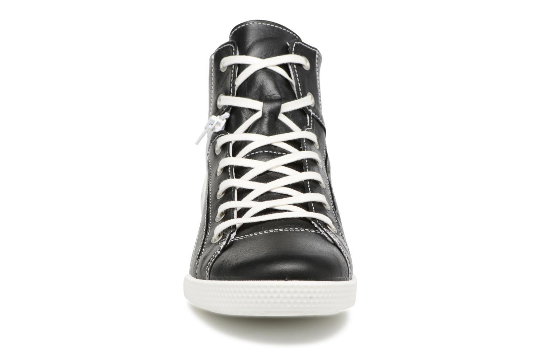 Baskets Pataugas Paz/N Noir vue portées chaussures