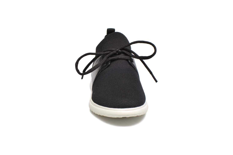 Baskets What For Daisy Noir vue portées chaussures