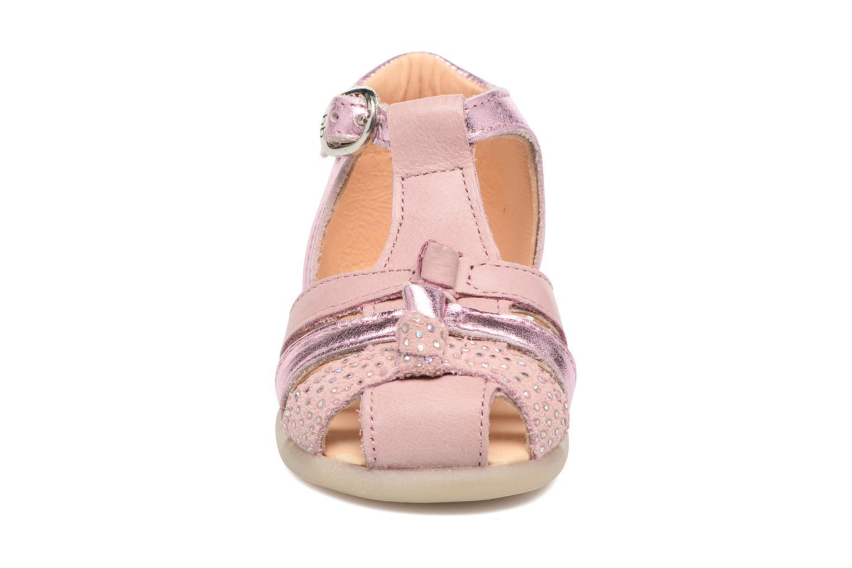 Sandales et nu-pieds Babybotte Guimauve Rose vue portées chaussures