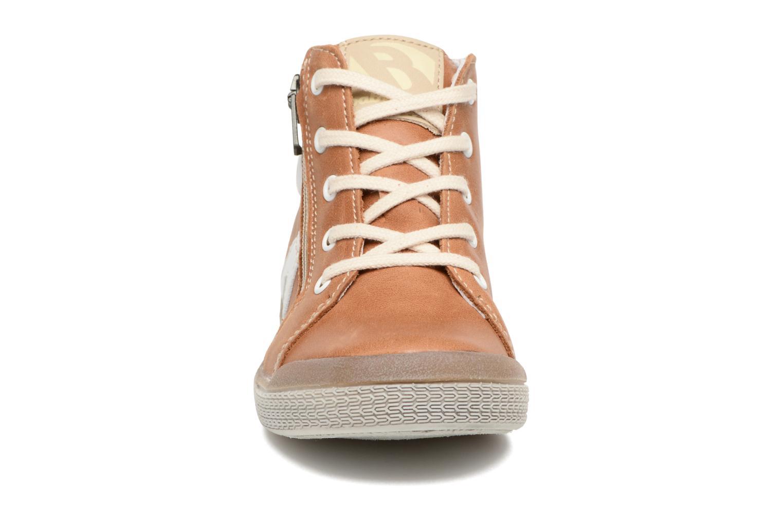 Baskets Babybotte B3 Marron vue portées chaussures