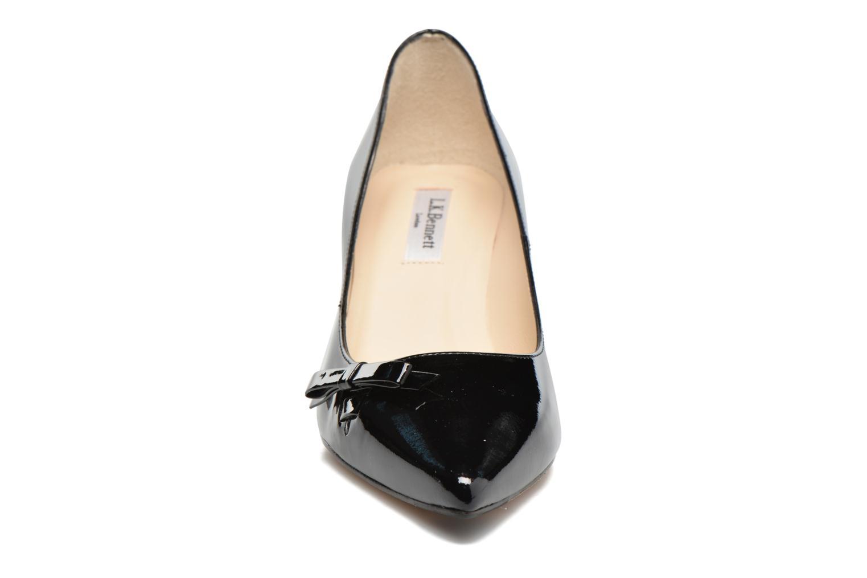 Escarpins L.K. Bennett Berenice Noir vue portées chaussures