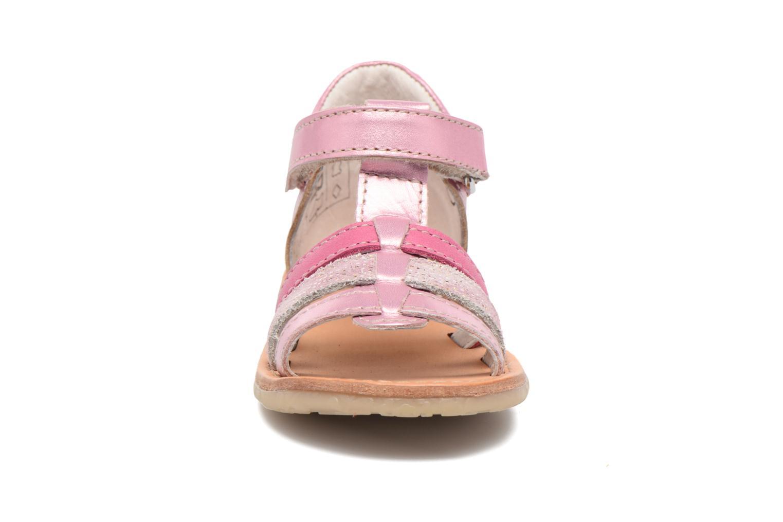 Sandales et nu-pieds Noël Mini Serva Rose vue portées chaussures