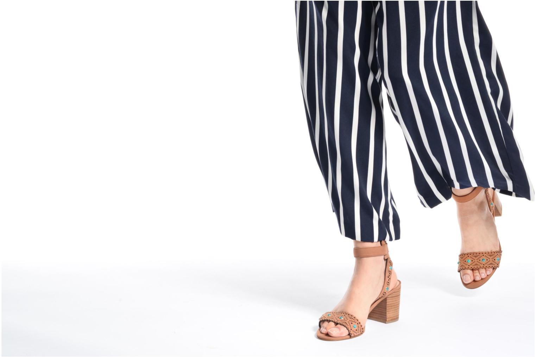 Sandales et nu-pieds Guess NADDA Marron vue bas / vue portée sac