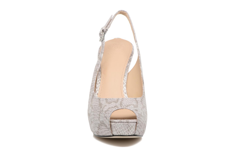 Escarpins Guess HUELE 3 Argent vue portées chaussures