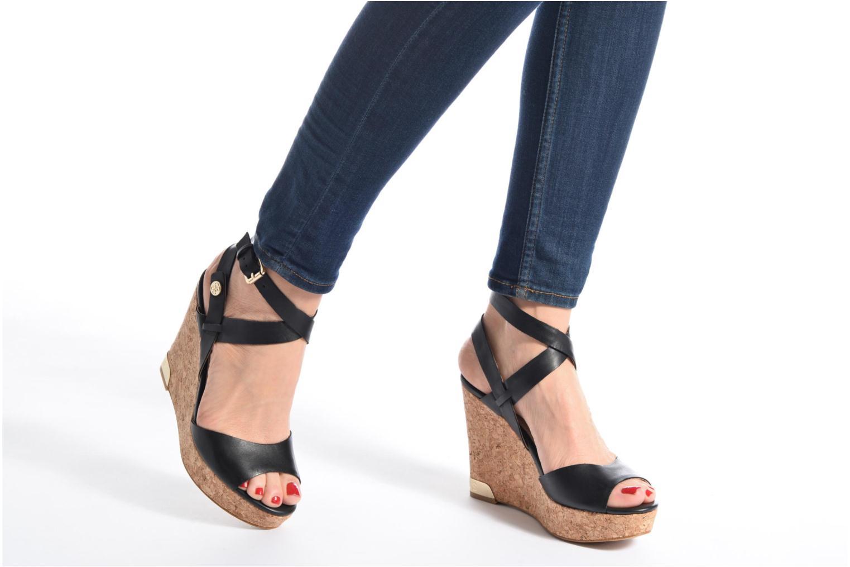 Sandales et nu-pieds Guess HARANA Noir vue bas / vue portée sac