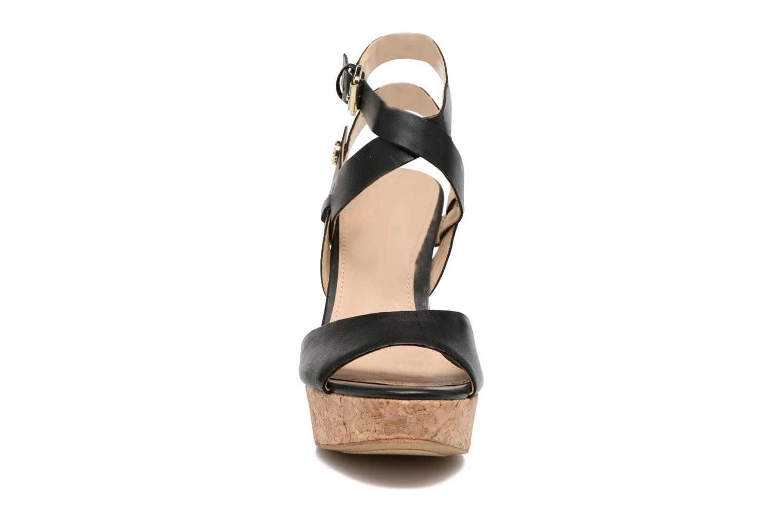 Sandales et nu-pieds Guess HARANA Noir vue portées chaussures