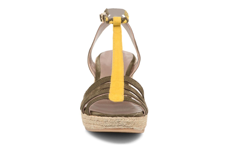 Sandales et nu-pieds Bensimon Compensée Tressée Vert vue portées chaussures