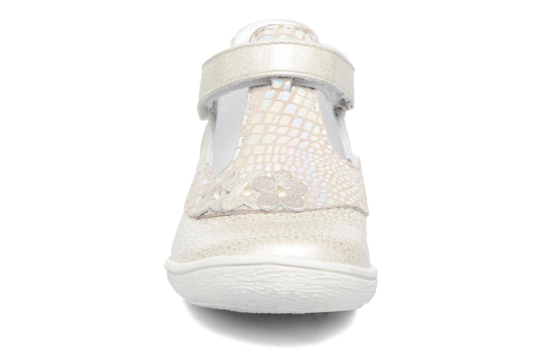Ballerines GBB Piedad Argent vue portées chaussures