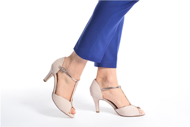 High heels Georgia Rose Gitango 3 White view from underneath / model view
