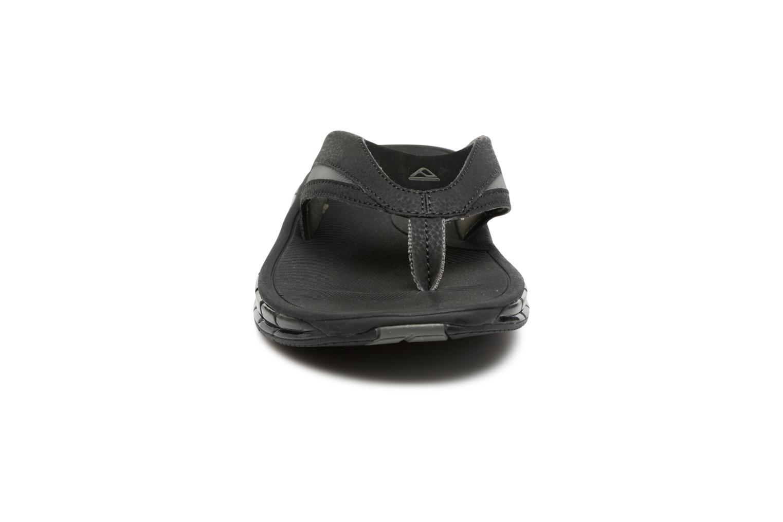 Tongs Reef Reef Booster Noir vue portées chaussures