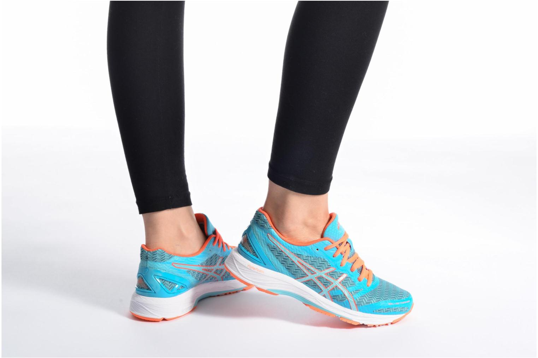 Chaussures de sport Asics Gel-DS Trainer 22 W Bleu vue bas / vue portée sac
