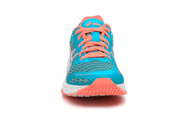 Chaussures de sport Asics Gel-DS Trainer 22 W Bleu vue portées chaussures