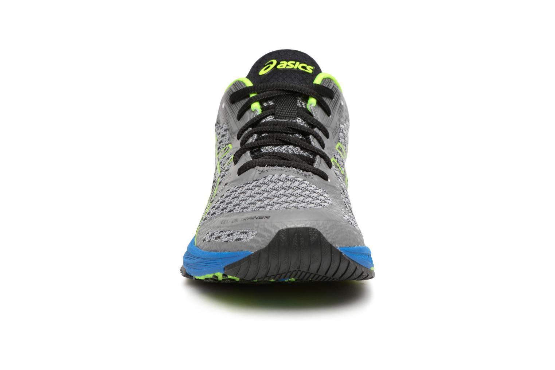 Chaussures de sport Asics Gel-DS Trainer 22 Gris vue portées chaussures