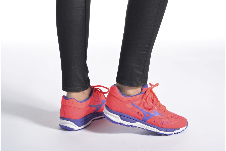 Chaussures de sport Mizuno Mizuno Synchro MX 2 W Rose vue bas / vue portée sac