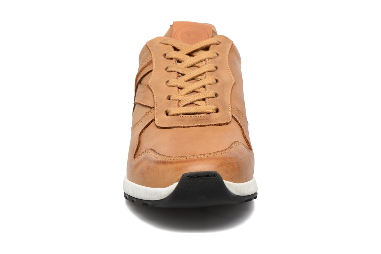 Baskets Kickers Niela Marron vue portées chaussures