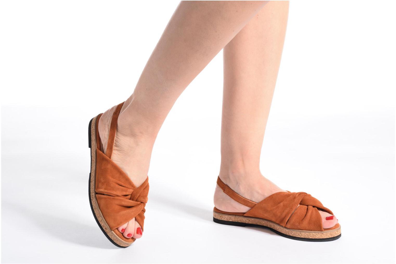 Sandales et nu-pieds Anaki Mismi Marron vue bas / vue portée sac
