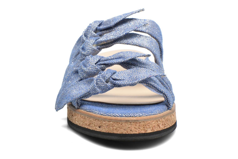 Sandali e scarpe aperte Anaki Cali Azzurro modello indossato