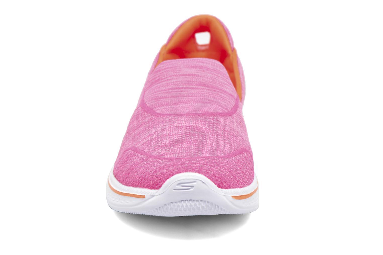 Deportivas Skechers Go Walk 4 Speedy Sports Rosa vista del modelo