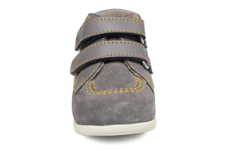 Chaussures à scratch Kickers Friendly Gris vue portées chaussures