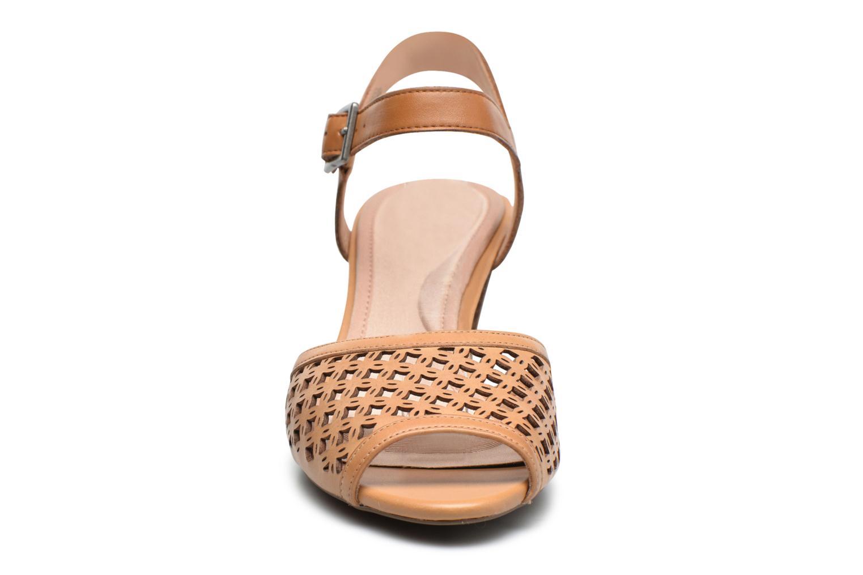 Sandales et nu-pieds Rockport Audrina Laser 2 Piece Marron vue portées chaussures