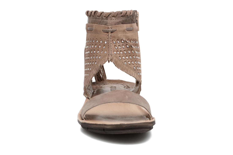 Sandali e scarpe aperte Khrio Nora Marrone modello indossato