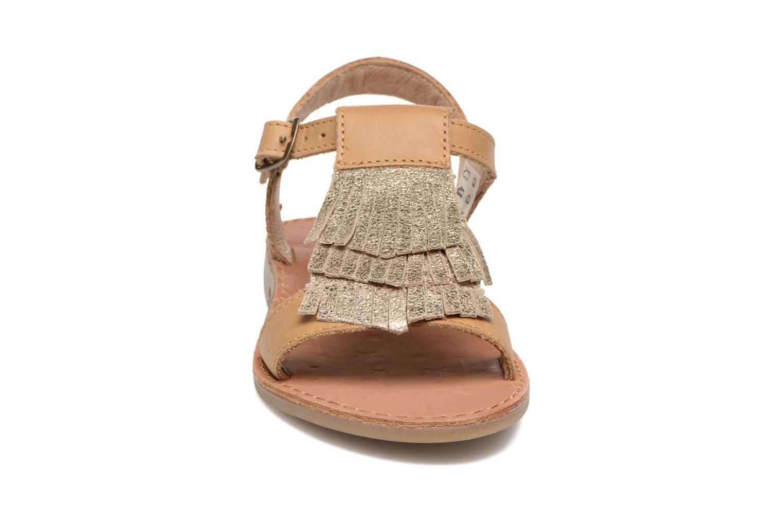 Sandales et nu-pieds Shoo Pom Happy Fringe Marron vue portées chaussures