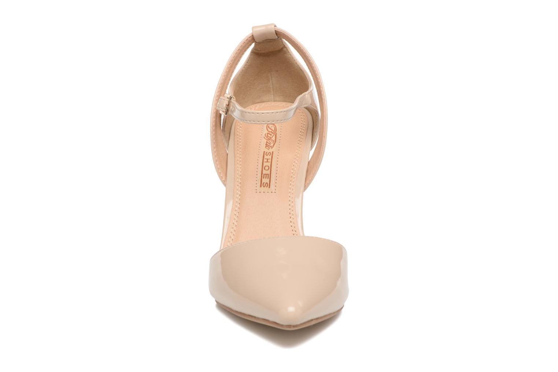 High heels Buffalo Maëva Beige model view