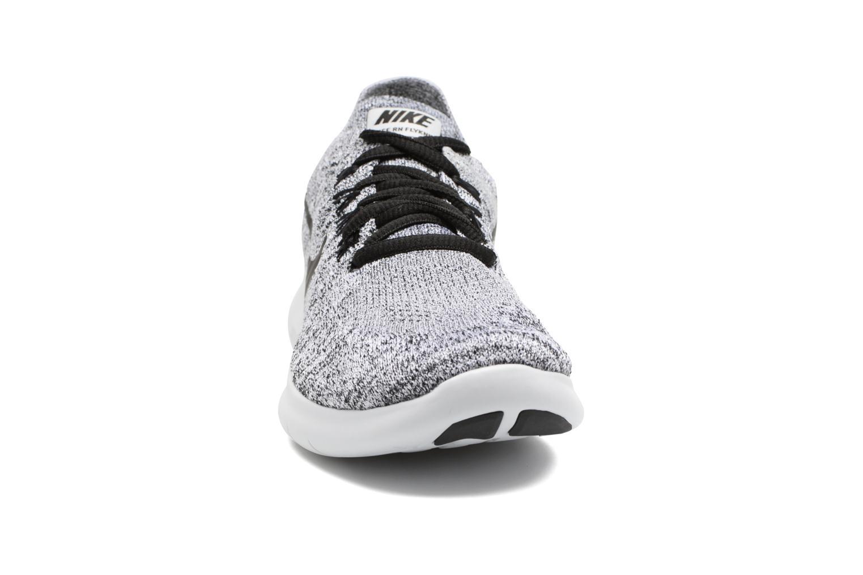 Chaussures de sport Nike Wmns Nike free Rn Flyknit 2017 Gris vue portées chaussures