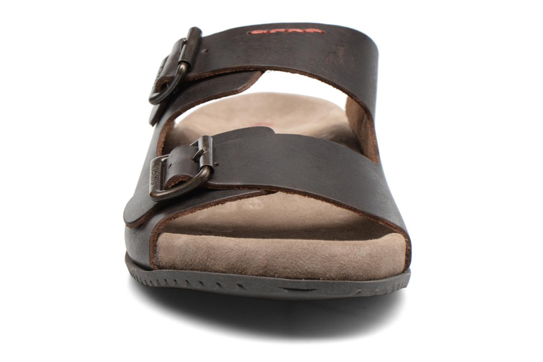 Sandalen Kickers Relaxou braun schuhe getragen