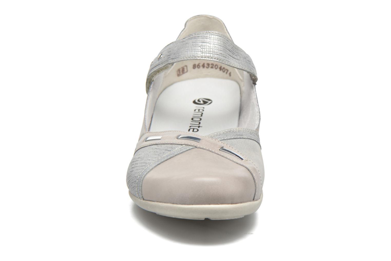 Ballerines Remonte Bonni R9842 Argent vue portées chaussures