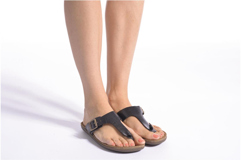 Sandales et nu-pieds Kickers Atobi Rouge vue bas / vue portée sac