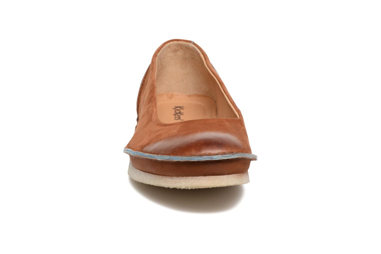 Ballerines Kickers Mybalerina Marron vue portées chaussures