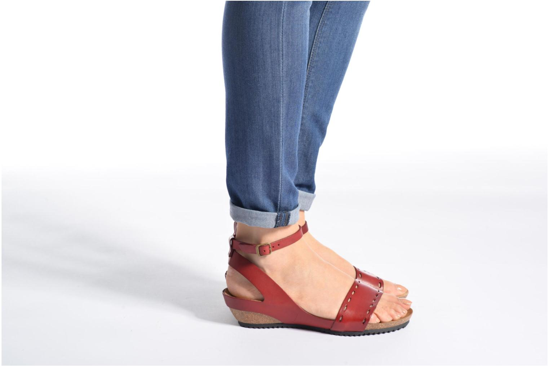 Sandales et nu-pieds Kickers Tokrom Marron vue bas / vue portée sac