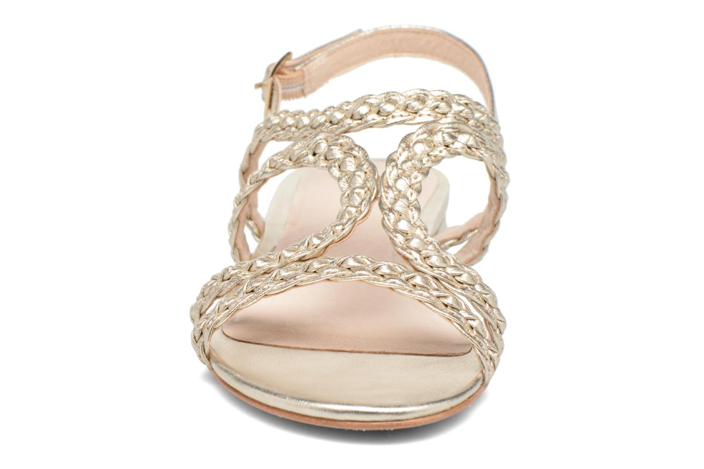 Sandali e scarpe aperte COSMOPARIS Lolia/Met Oro e bronzo modello indossato