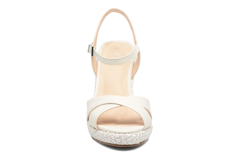 Sandalen COSMOPARIS Jadi/Mar beige schuhe getragen