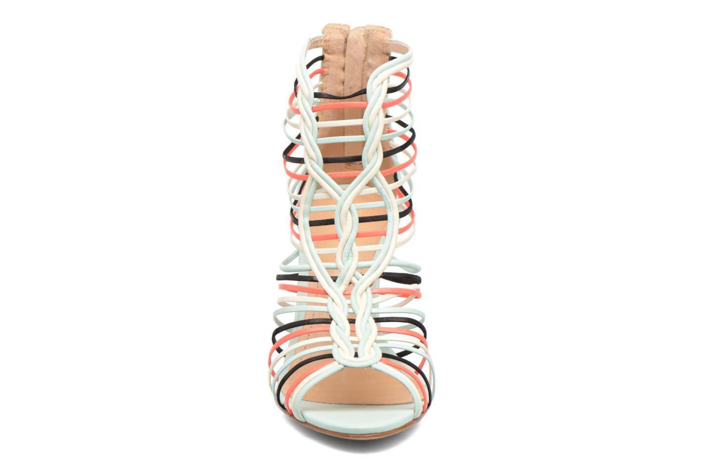 Sandalen COSMOPARIS Ameya weiß schuhe getragen