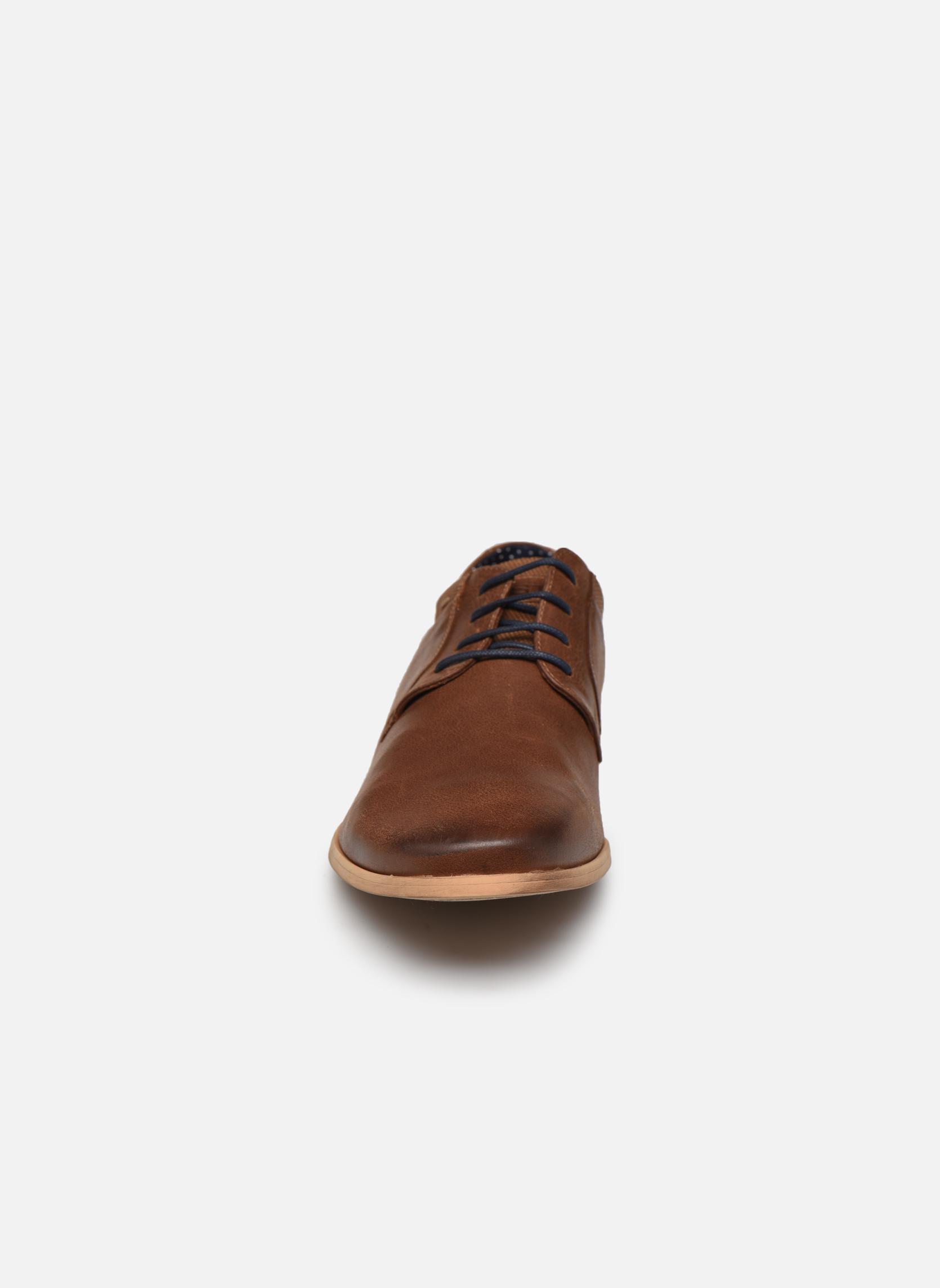 Scarpe con lacci Kost Epia3 Marrone modello indossato