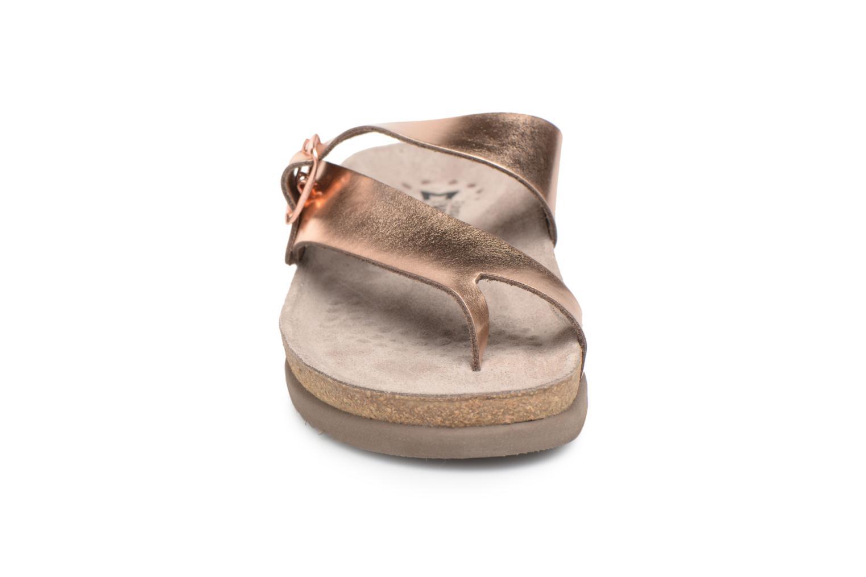 Sandali e scarpe aperte Mephisto Helen Oro e bronzo modello indossato