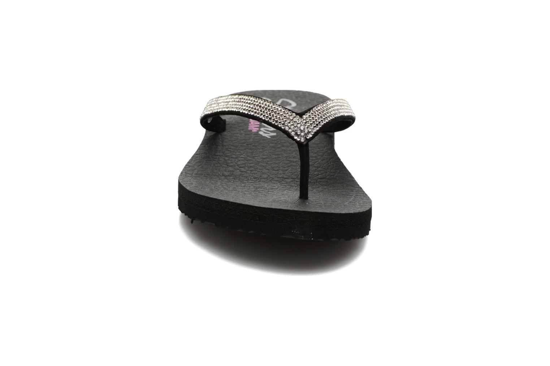 Zehensandalen Skechers Meditation Chill Vibes schwarz schuhe getragen