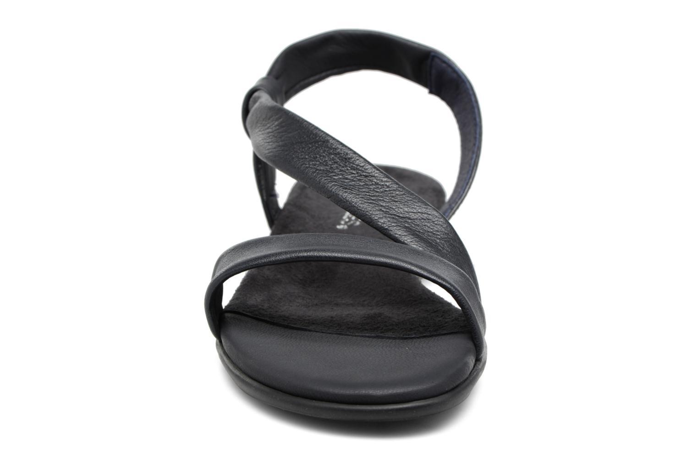 Sandali e scarpe aperte Aerosoles Chairman Nero modello indossato