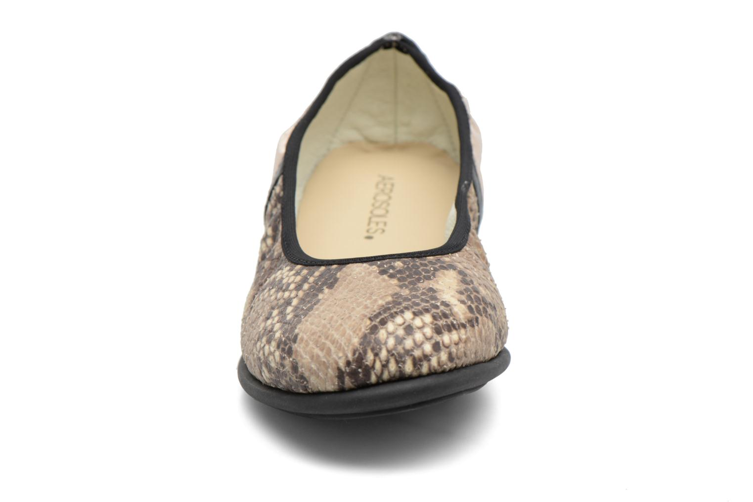 Bailarinas Aerosoles Lot's More Beige vista del modelo