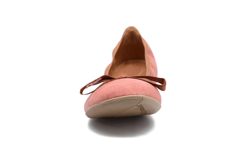 Ballerines Les P'tites Bombes Ella Jeans Rouge vue portées chaussures