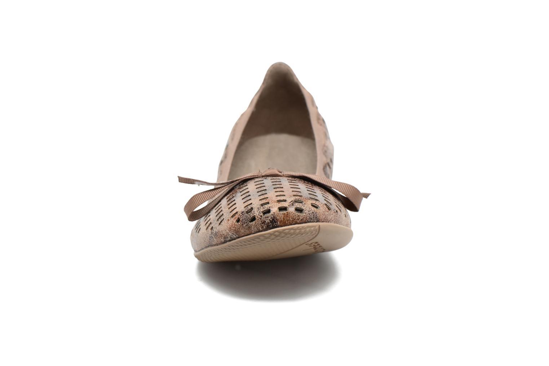 Ballerines Les P'tites Bombes Ella Laser Marron vue portées chaussures